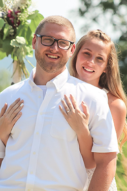 BROOKE DERIN '16 AND JUSTIN WALKER '15 MEET JUST IN TIME